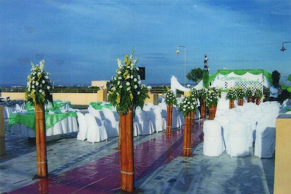 Weddings Rooftop Metro Park Hotel